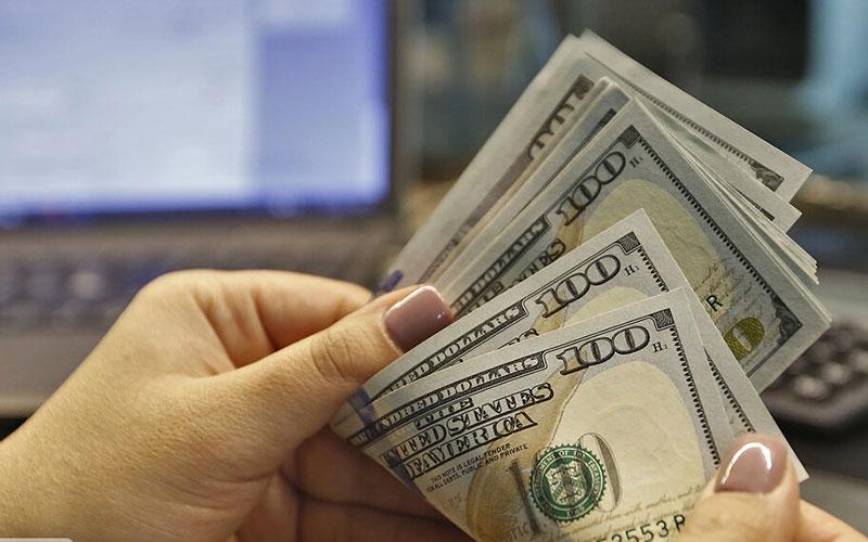 ادامه نوسان دلار در کانال ۲۴ هزار تومانی