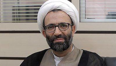 نماینده مجلس قوام روحانی واردکننده موز هستند ادعای نماینده مجلس: اقوام روحانی واردکننده موز هستند/ از خارج برای او میوههای مرغوب میآورند