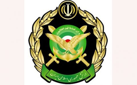 ارتش در میدان آزادی تهران لحظه سال تحویل توپ شلیک میکند