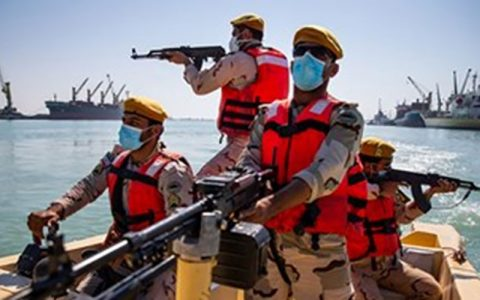 محموله ۳۳۰ میلیارد تومانی قاچاق در آبهای شمالی خلیج فارس توقیف محموله ۳۳۰ میلیارد تومانی قاچاق در آبهای شمالی خلیج فارس
