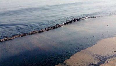 آلودگی نفتی ساحل جزیره خارگ