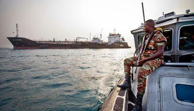 دزدان دریایی ۱۵ خدمه یک کِشتی را در خلیج گینه ربودند