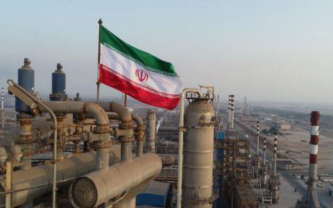 صادرات نفت خام ایران رکورد زد رویترز: صادرات نفت خام ایران رکورد زد