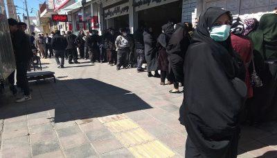 صف کیلومتری برای خرید مرغ در محله پیروزی تهران/ چرا کسی برای حل بحران مرغ پیشقدم نمی شود؟