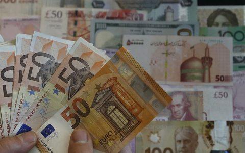 نرخ رسمی یورو و ۲۱ ارز دیگر کاهش یافت