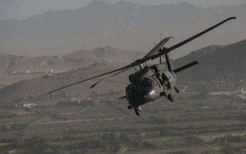 پرواز گسترده بالگردهای آمریکایی بر فراز نوار مرزی عراق و سوریه