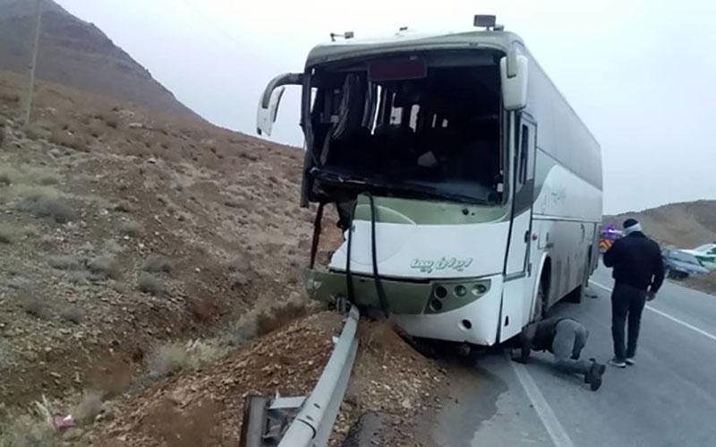 ۱۵ کشته و زخمی در تصادف محور بروجرد- اراک