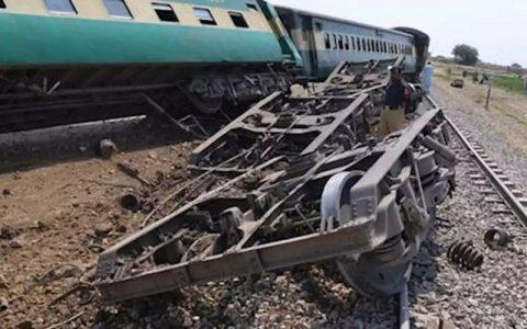 کشته و زخمی در حادثه خروج قطار از ریل در پاکستان ۴۱ کشته و زخمی در حادثه خروج قطار از ریل در پاکستان