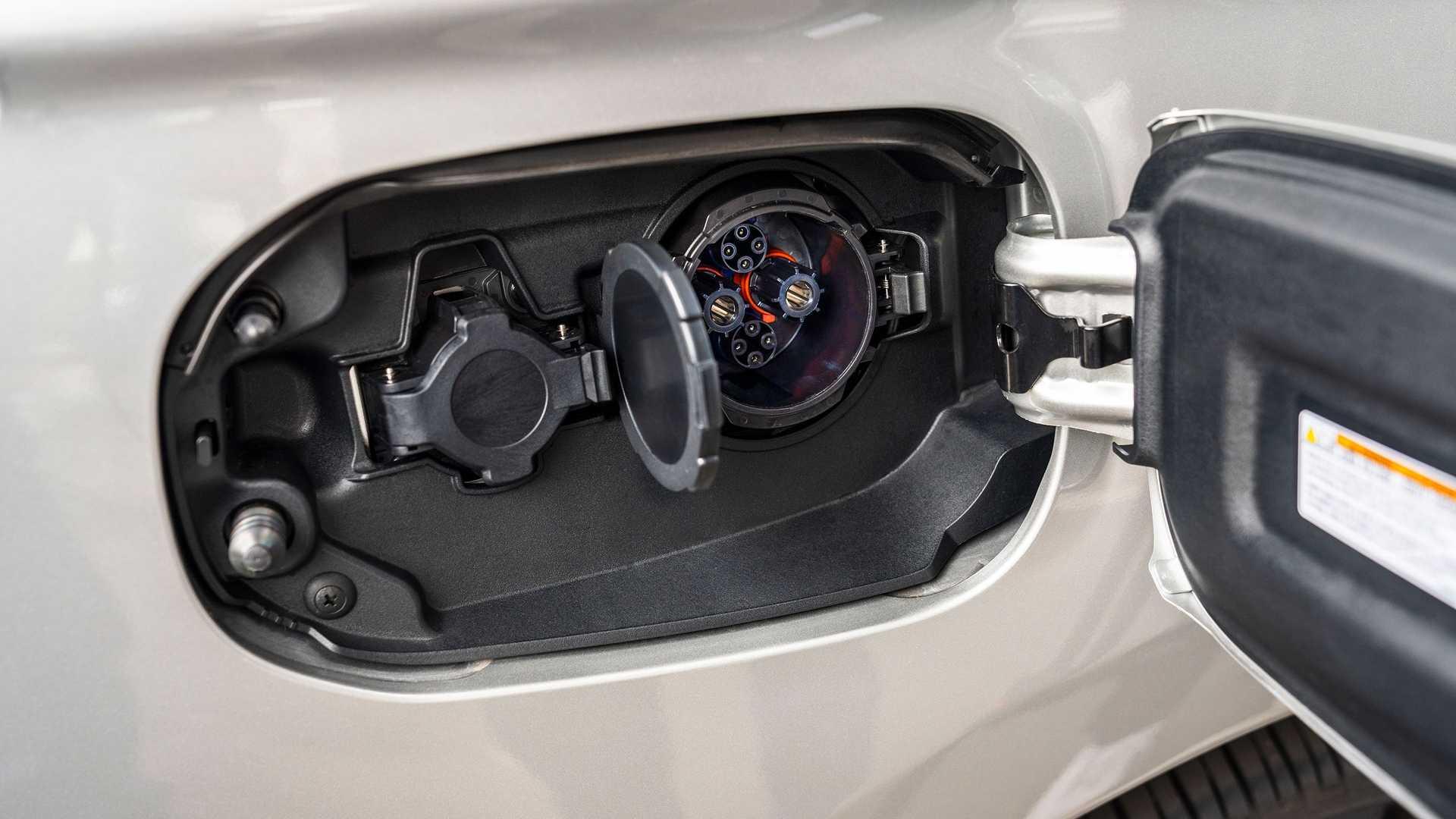 1190501 556 اوتلندر 2021 پلاگین هیبرید؛ نسخه جدیدتر، قویتر اما با قیمت ثابت!/ عکس