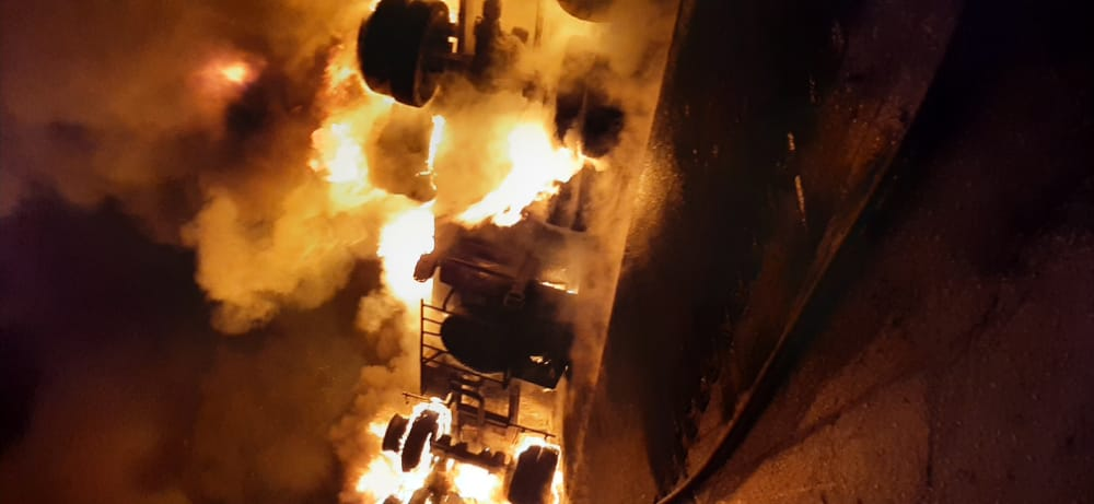 1191034 601 واژگونی تانکر سوخت در محور اهواز - شوش/ یک نفر کشته شد/ عکس