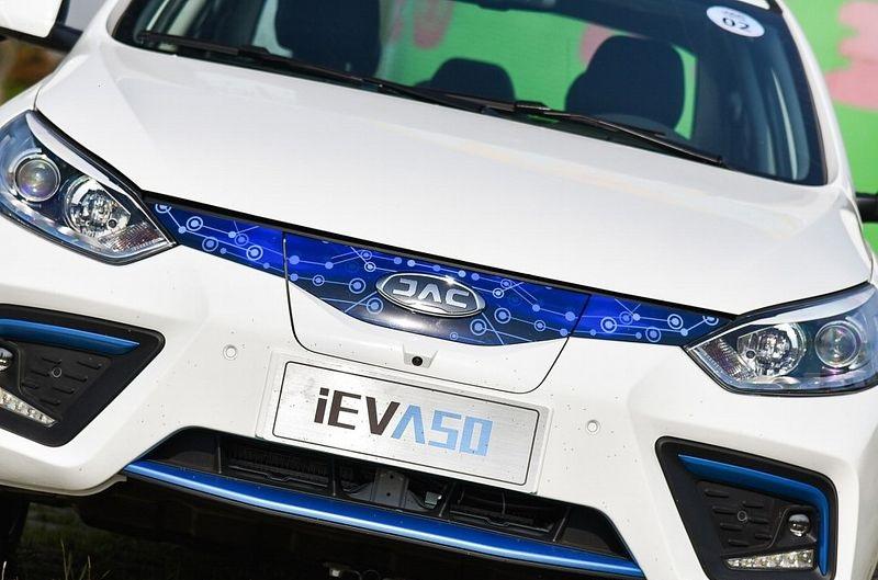 iEVA50؛ نسخه الکتریکی JAC J5 بازار ایران/ عکس