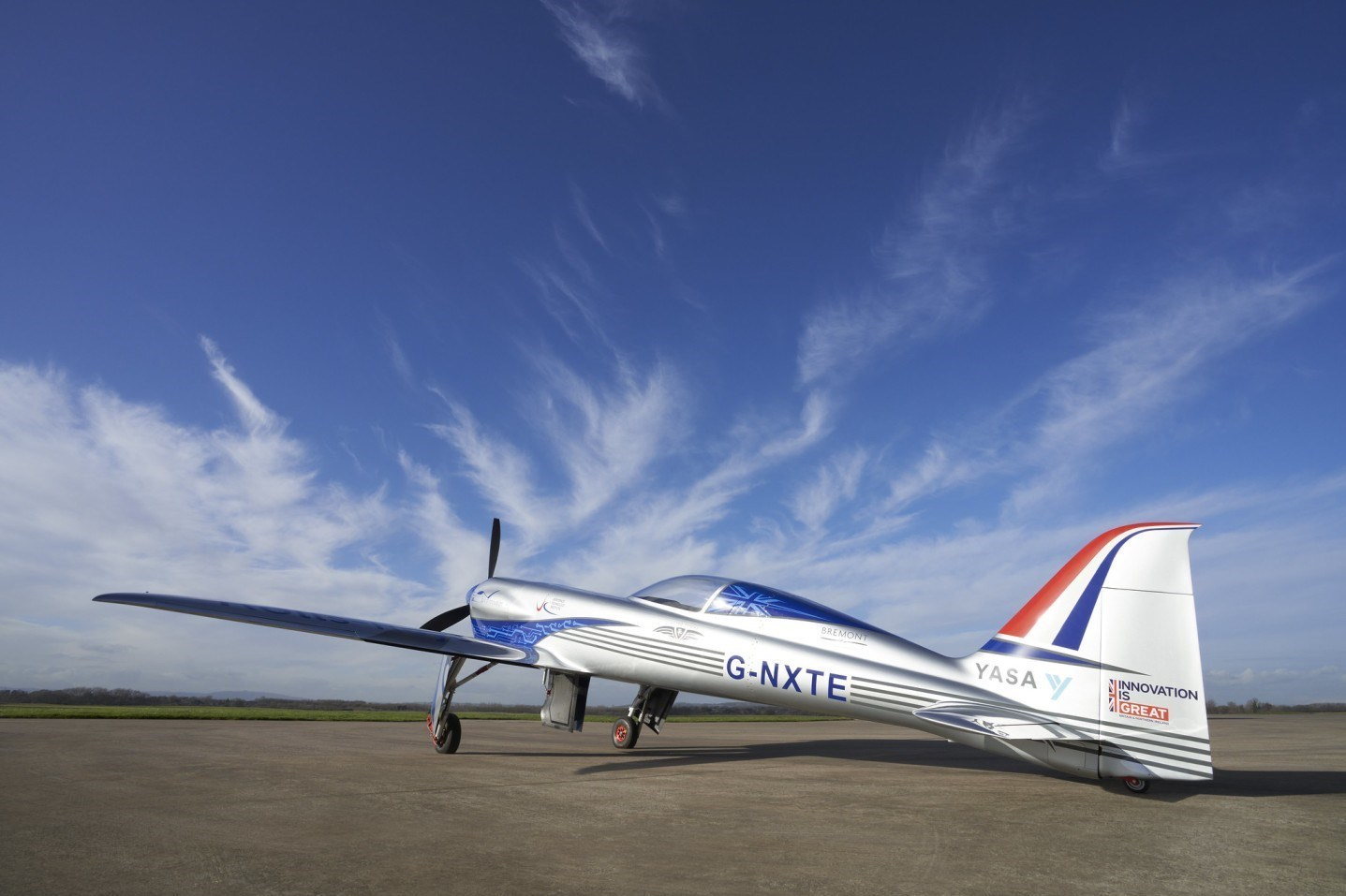13991216154705855223633110 سریعترین هواپیمای برقی جهان ساخته شد /تصاویر