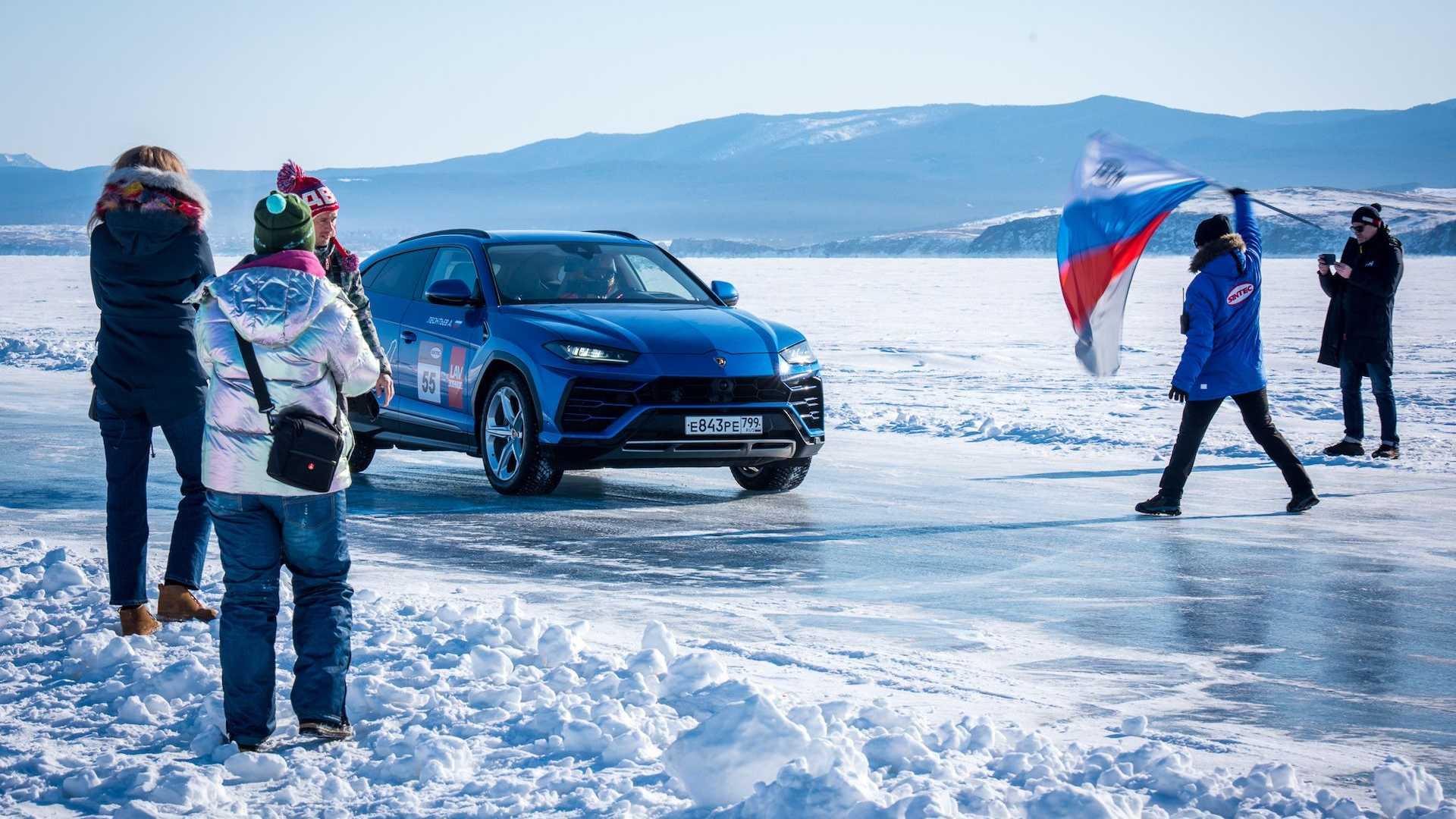لامبورگینی اوروس رکورد سرعت روی یخ را به نام خود ثبت کرد