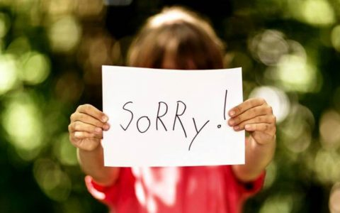 آموزش عذرخواهی به کودکان با شیوه صحیح