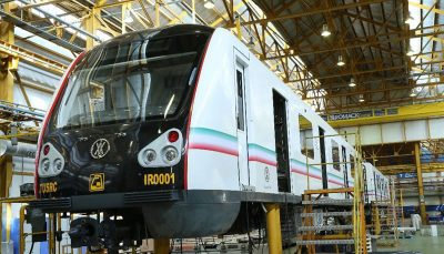 از قطار ملی مترو رونمایی شد/حناچی: امکان ساخت ۱۰۵ واگن قطار ملی تا پایان سال