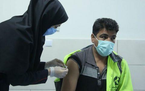استفاده مدیران و اعضای شورای شهر آبادان از سهمیه واکسن کرونای پاکبانان