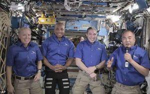 بازگشت فضانوردان