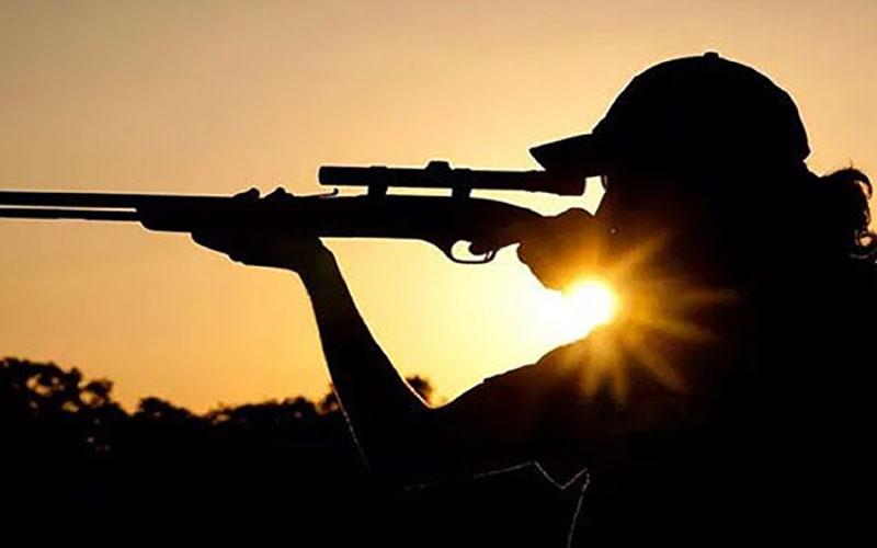 جولان شکارچی خارجی در قرقهای اختصاصی یزد/ فیلم