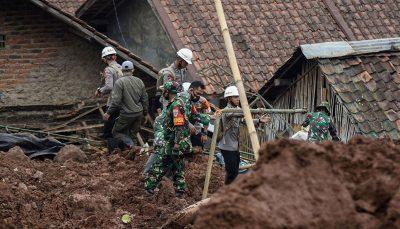 شمار کشته شدگان سیل در اندونزی به بیش از ۱۵۰ تن رسید