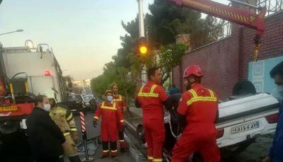 مصدومیت ۵ نفر در یک سانحه تصادف در مقابل بیمارستان هجرت/ تصاویر