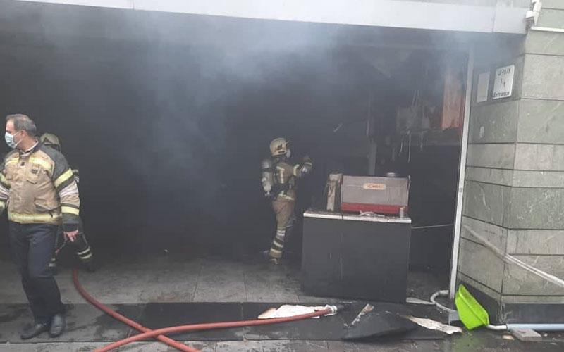 مهار فوری آتشسوزی در ورودی ایستگاه مترو قیطریه