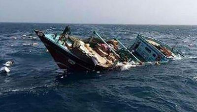 نجات جان سرنشینان شناور غرق شده در گناوه