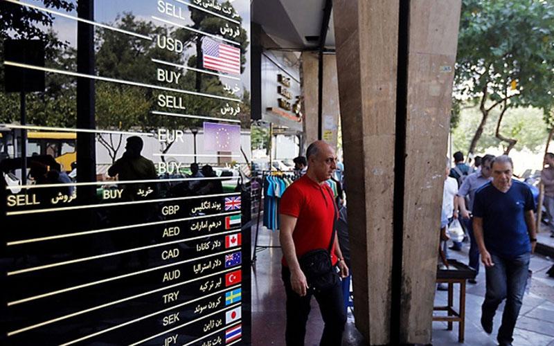 نرخ ارز در ۲۱ فروردین ۱۴۰۰/ نرخ خرید دلار ۲۴ هزار و ۴۰ تومان