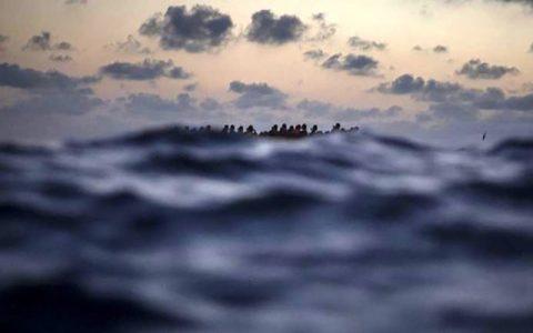 واژگونی قایق مهاجران با ۱۳۰ سرنشین در نزدیکی لیبی