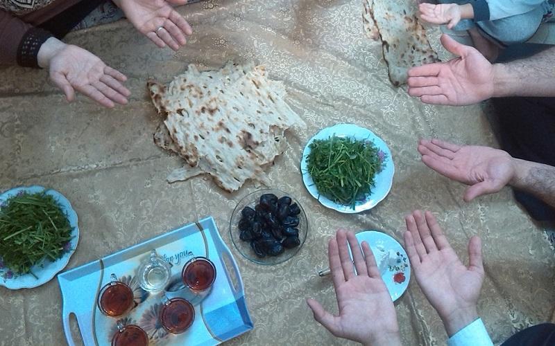نارضایتی مردم از بدقولی دولت در پرداختی یارانه رمضان/ مبلغ واریزی، فقط 5 درصد از هزینه های افطار را تأمین می کند