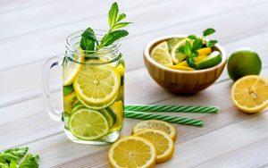 ۱۰ نوشیدنی خوشمزه برای رفع تشنگی و کمبود آب بدن