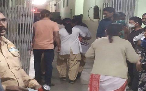 ۱۳ کشته بر اثر آتش سوزی در بخش بیماران کرونایی بیمارستانی در هند