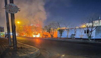 آتش زدن دیوار خارجی کنسولگری ایران