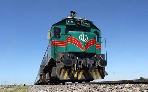 برخورد قطار مسافری در مراغه با عابر پیاده