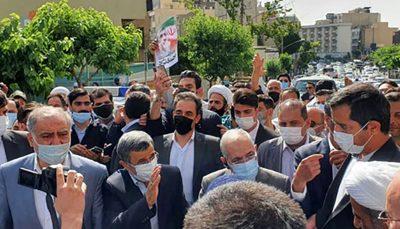 ثبتنام احمدینژاد در وزارت کشور