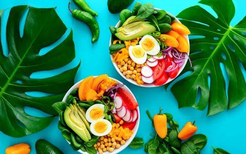 خوردن غذاهای تند و شور در روزهای گرم ممنوع