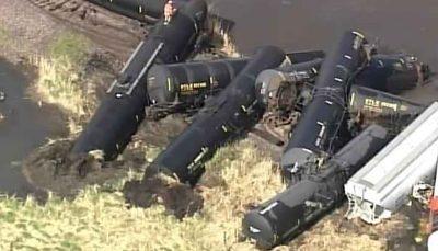 دستور تخلیه پس از خروج قطارِ حامل مواد شیمیایی