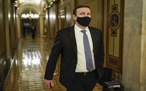سناتور مورفی مدعی دیدار با تختروانچی شد