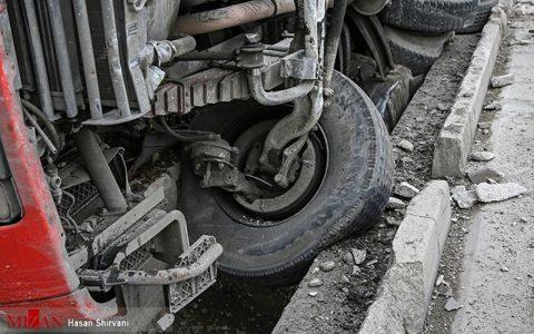 واژگون شدن کامیون