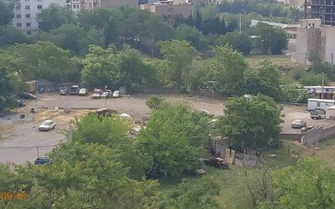 پارکینگ غیرمجاز در شمال تهران