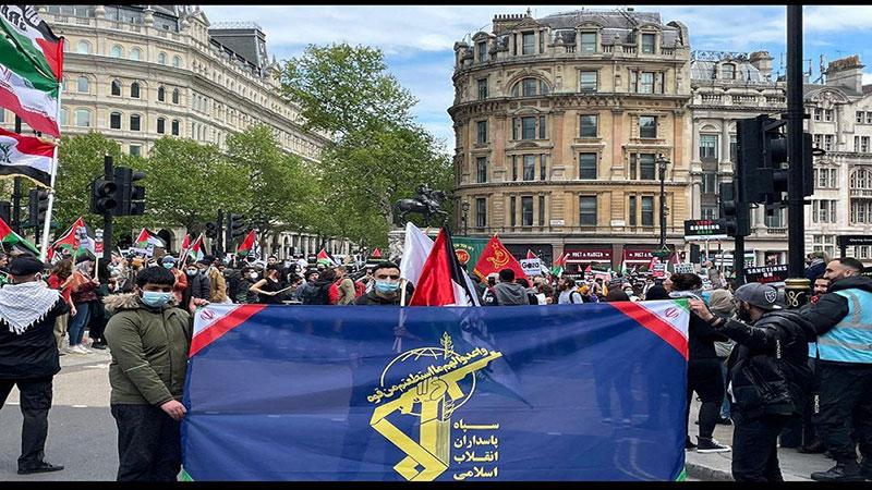 برافراشته شدن پرچم سپاه پاسداران در لندن / تصاویر