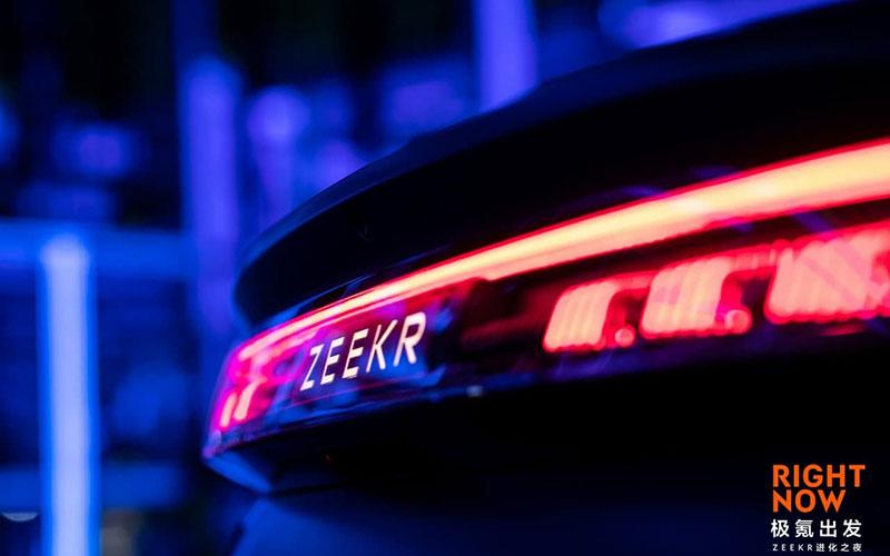 """جیلی با """"Zeekr 001"""" به جنگ پورشه میرود!/ نمونه ای از یک خودروی سطح بالای چینی/ عکس"""