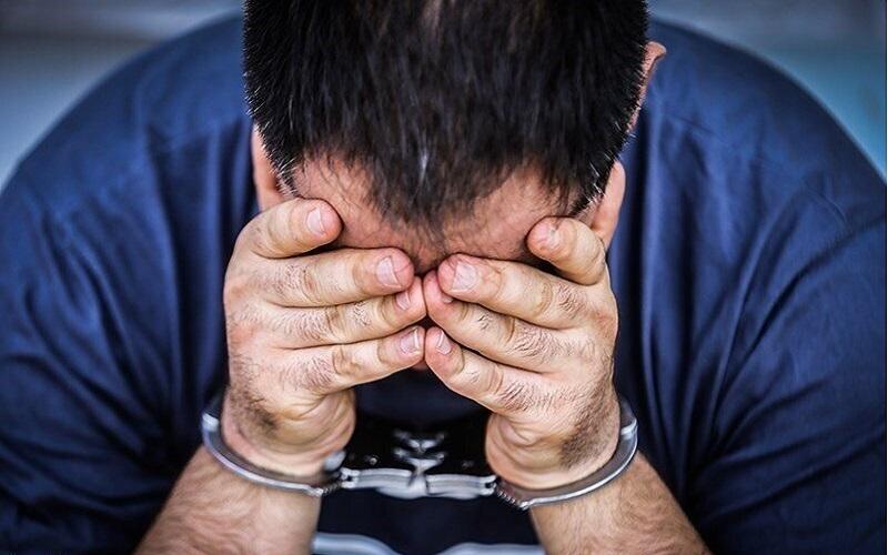 دستگیری قاتلی که همسرش را خفه و جنازه را داخل بیابان رها کرده بود