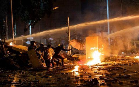 آتش سوزی در بندر هنگ کنگ
