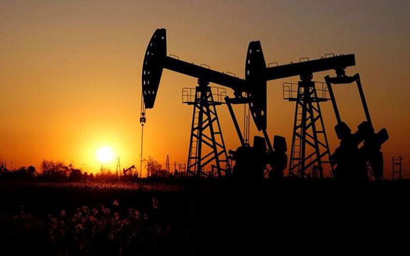 افت قیمت نفت خام از بالاترین سطح ۲ سال اخیر