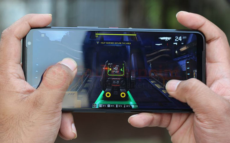 ایسوس گوشی هوشمندی با تراشهی اسنپدراگون ۸۸۸ معرفی خواهد کرد