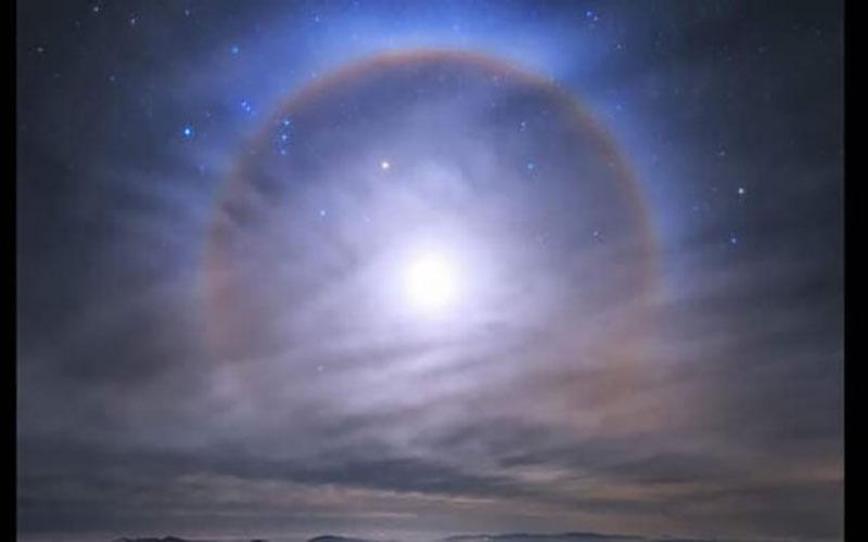 """تشکیل هاله ماه بر فراز رصدخانه """"لاسیلا"""""""
