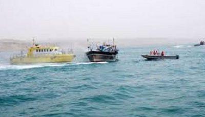 توقیف ۲ شناور تجاری حامل لوازم خانگی قاچاق در خلیج فارس