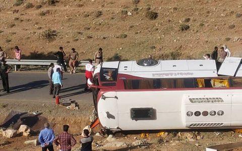 جزییات حادثه اتوبوس خبرنگاران