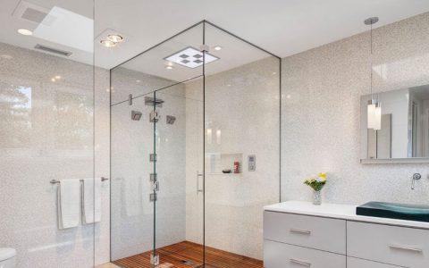 حمام و سرویس بهداشتی پاک و منظم داشته باشیم