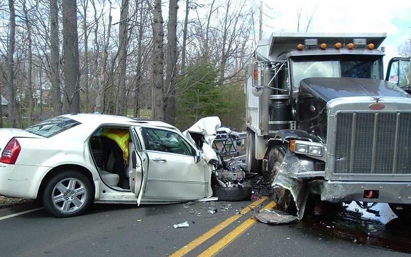سالانه ۱۷ هزار نفر در تصادفات جاده ای کشته می شوند